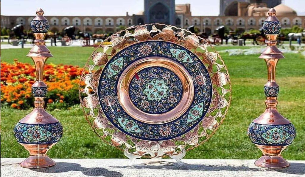 معروف ترین سوغاتی های اصفهان، نصف دنیا