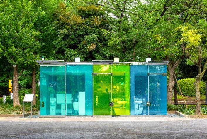 چرا در توکیو سرویس های بهداشتی شفاف می سازند؟!