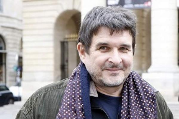 برنده جایزه عظیم ادبیات سوئیس در سال 2021 معرفی گردید